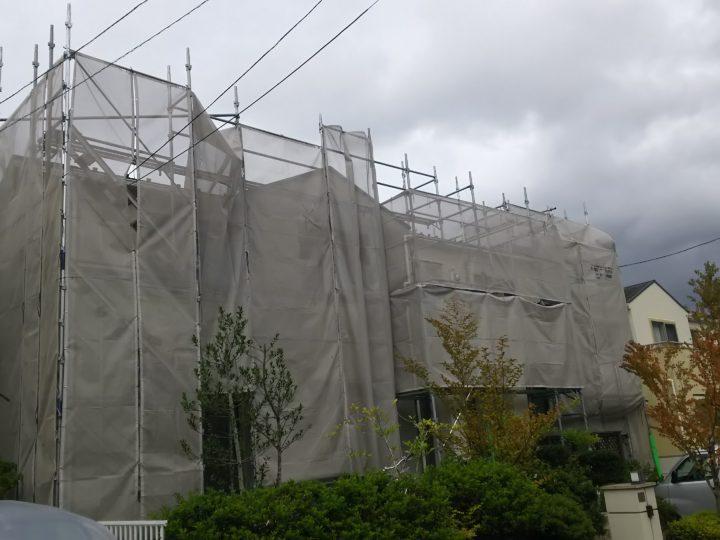 足場組建て完了です。