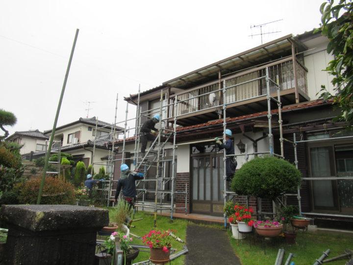 柴田町で足場組立中