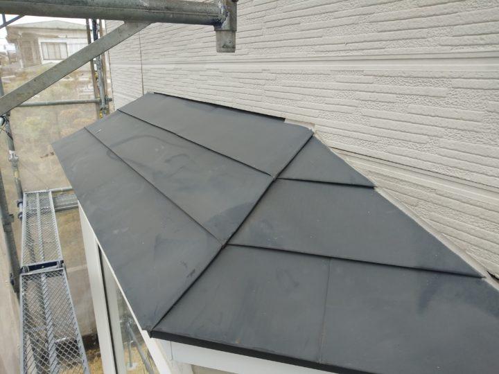 屋根と壁の隙間