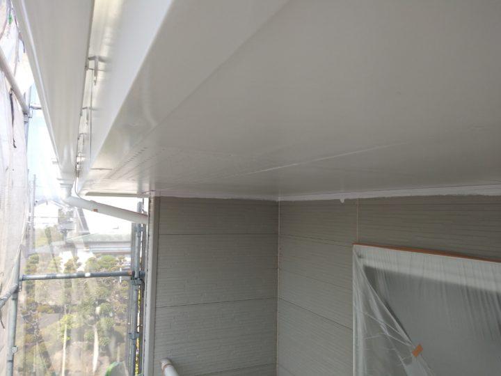軒天・破風板・雨樋の塗装