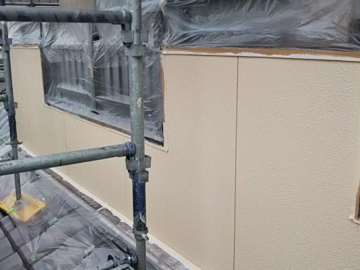 外壁の中塗り・上塗り