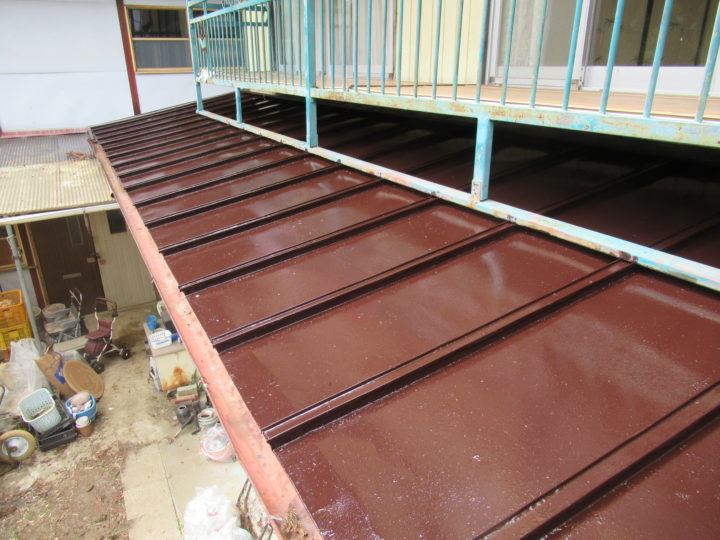 角田市で屋根の塗装工事をしました。